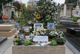 Dans le cimetière de Montparnasse - La tombe de Serge Gainsbourg