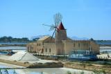 Trapani - Les moulins à vent permettant d'alimenter les marais salants en eau de mer