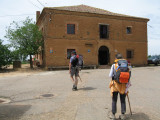 Arriving to the albergue in Bercianos