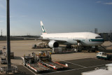 乘�波音 777 離開了��見大阪�