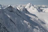 Iroquois Ridge (L) & Snowside, View SW (MonarchIceFld040307-_396.jpg)