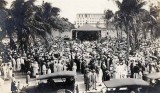 Early 1920s? - A crowd in Miami's first park by the bay in downtown Miami