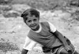 Petite fille grecque taquine