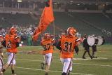 kaufman leads the team into the stadium