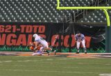 jahan carries the ball into the end zone