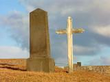 Í kirkjugarðinum að Innri-Hólmi.