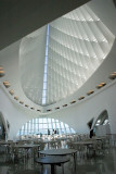 Getting ready for a wedding, Milwaukee Art Museum