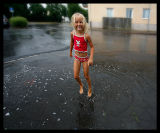 Frida playing in the rain - Vimmerby 2006