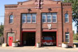 2006_Detroit_Fire_Dept_Engine-29_firehouse_7600_west_jefferson.JPG