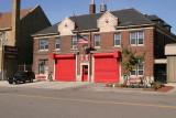 2006_Detroit_Fire_Dept_Engine-42_Ladder-21_firehouse_6324_west_chicago.JPG