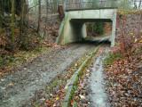 Sous le Ring 0 - Passage souterrain du Molenweg. - C'est mieux à droite.