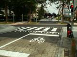 Piste du Souverain - Marquages des rues latérales (rue Ch. Lemaire)
