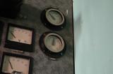 Turbinhallens kontrollrum -  instrument för laddning av batterier