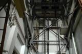 Transformatorhallen med dess handdrivna travers