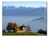 Obhäg-Kapelle mit den zentralen Alpen