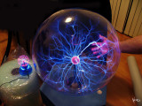 20 Blue & Red Plasma Ball