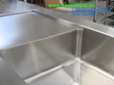 vasca ina acciaio inox con sgocciolatoio su misura