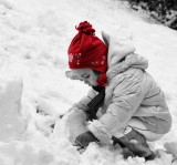 8 February - red hat in the snow! Thursday Challenge: Seeing Red