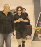 Cure arrive at Perth airport 08/03/07