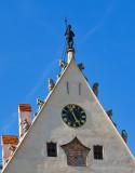 Clock Under The Knight