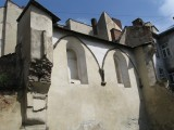 the ruin of the Golden Rose synagogue is still the same
