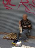 fiddle maker