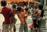 Busy arms-Wat Than/Phnom Penh
