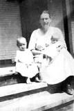 Etta Fingleman, Ollie Lloyd Fingeman and Ruth Fingleman (in Ollie's lap)