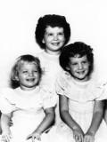 Linda, Barbara and Frances Sanderlin
