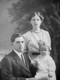 Henry Reed with wife and son