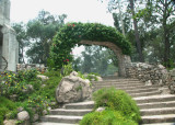 These stairs pass from Cristo del Picacho to some gardens in Parque Naciones Unidas.