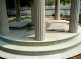 Andrew Jacksons grave.jpg