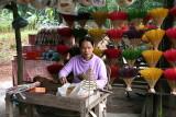 Fabrication de bâtons d'encens, autour de Hué - Vietnam