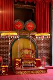 Trône à l'intérieur du tombeau de Tu Duc