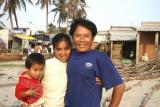 Jeune couple, très fier de poser - Mui Ne - Vietnam