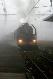 La 141R840 apparaît au milieu du brouillard