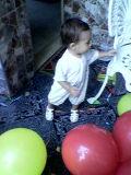 Tiago brincando