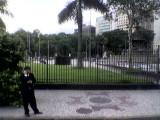 Praça vista da Av. Rio Branco