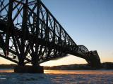 Le pont de Québec en hiver