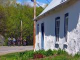 4 cyclistes et la maison centenaire
