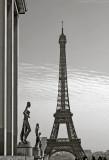 Tour Eiffel and Trocadéro statues