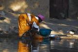 Women washing dishes along the Niger, Ayorou