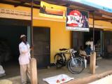 Mundri shops