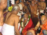 H H Rangapriya Swami receiving mariyadai