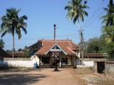 Thirumoozhikulam E.Gopuram.JPG
