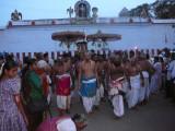 evening goshti with Thirukovilur Jeeyar and Doddayachar Swamy.JPG