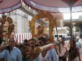 Yethi Rasar in front of mAmunikaL sannidhi.jpg