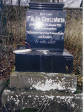 Here rests Fulop GROSZWIRTH Died January 1911 37? years of life [difficult to see numbers] Was mourned with tears by his wife & children He gently rests!  (This gravestone is in German.  'Google Translate' was used to translate this gravestone)