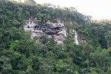 Cueva  ' La Vaca' en una de sus laderas