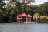 Casa de Descanso Construidas en sus Orillas